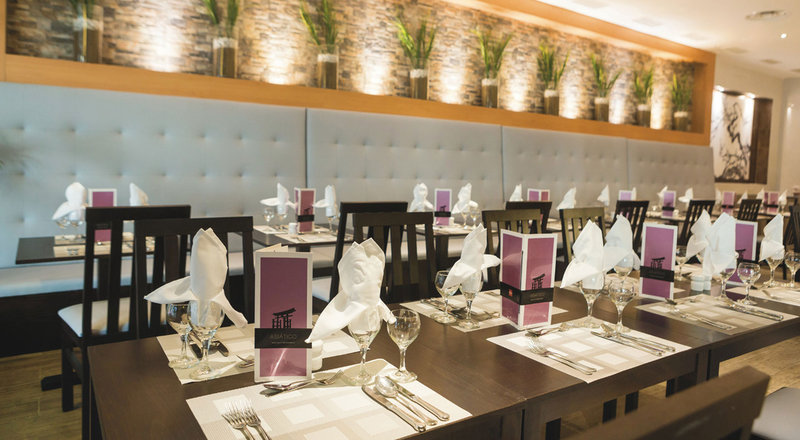 Check with your local Tony Roma's for catering and private dining options.
