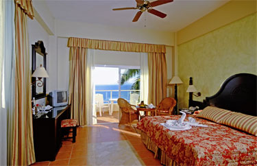 Last moment vacation deals to Samana
