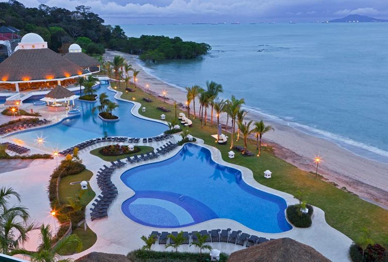 Last moment vacation deals to Panama